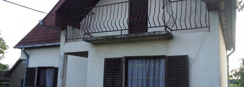 Дом 77м2 с участком 10 соток в селе Брайковац